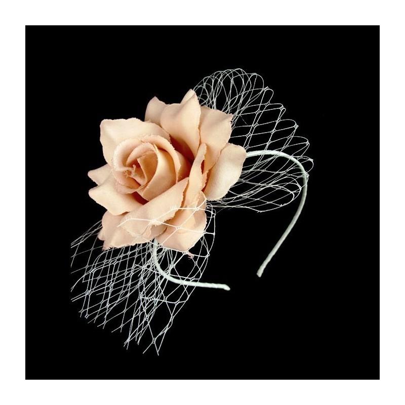 Chapeau mariage Fleur en tissu saumon peche nude