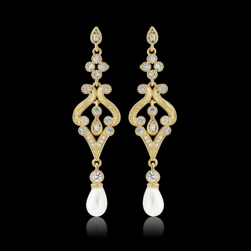 Boucles d'oreilles longues or cristal et perles