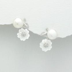 Boucles d'oreilles fleurs et perles