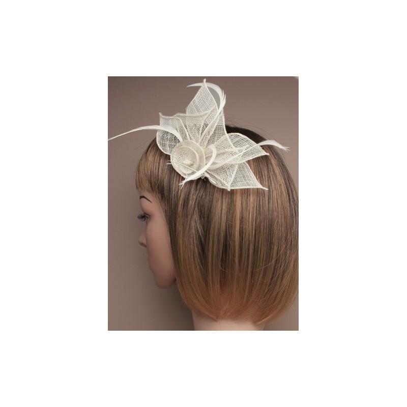 Chapeau mariage Pince cheveux ou broche ecru