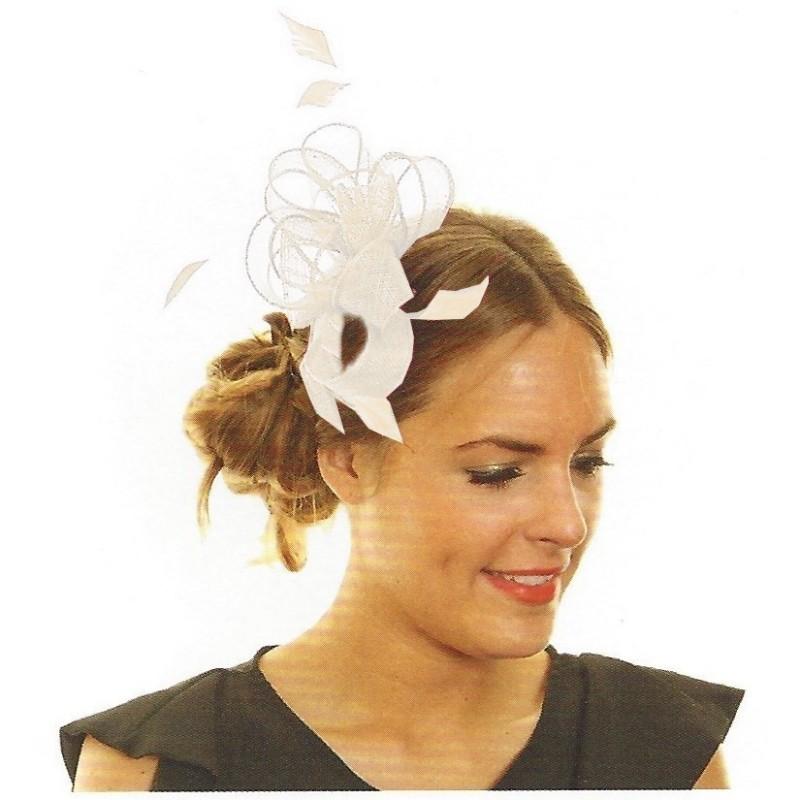 Chapeau mariage Accessoire de coiffure en sisal et plumes  ivoire