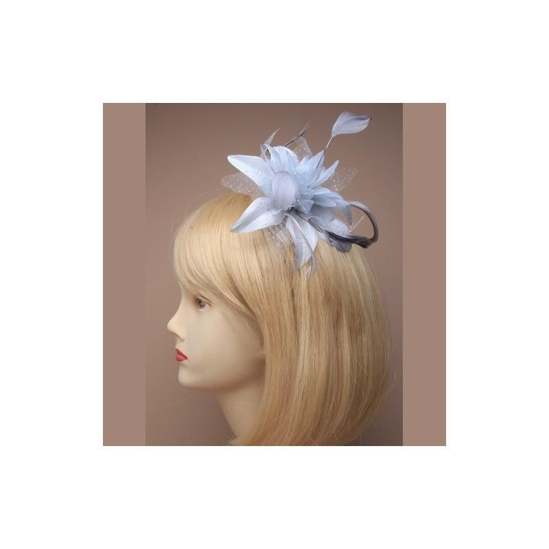 Chapeau mariage Fleur en voile bleu ciel sur peigne