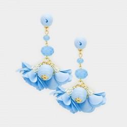 Boucles d'oreilles pendantes fleurs et perles bleues