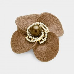 Broche stylisée strass et perles marron beige
