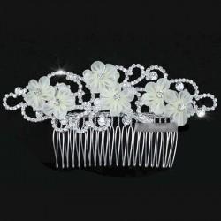 Peigne pour mariee en cristal et fleurs voile ivoire