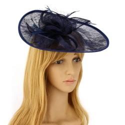 Chapeau mariage Bibi large en sisal et plumes bleu marine