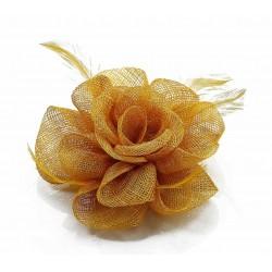 Chapeau mariage Bibi de cérémonie fleur et plumes jaune doré