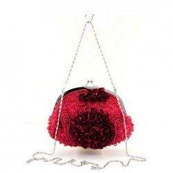 Bourse en satin rouge rebrodée perles et sequins