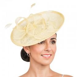 Chapeau de cérémonie jaune paille