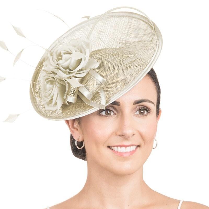 Chapeau de cérémonie fleur ivoire champagne