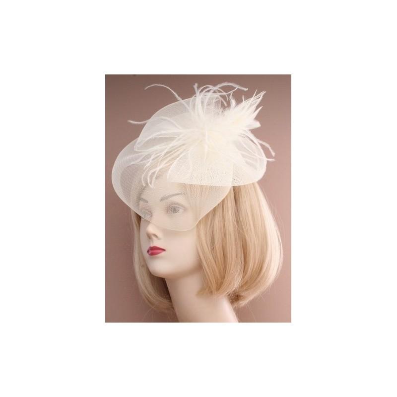Chapeau de ceremonie bibi ivoire avec plumes