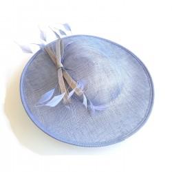Chapeau de ceremonie bleu...